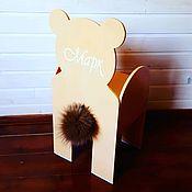 Стулья ручной работы. Ярмарка Мастеров - ручная работа Детский именной стульчик с опорами и столик из дерева. Handmade.