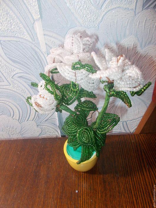 Подарочные наборы ручной работы. Ярмарка Мастеров - ручная работа. Купить цветок из бисера. Handmade. Белый, цветы, подарок, бисер