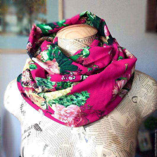 """Шарфы и шарфики ручной работы. Ярмарка Мастеров - ручная работа. Купить Шарф-снуд из вискозы """"Пурпурно-красный"""". Handmade."""
