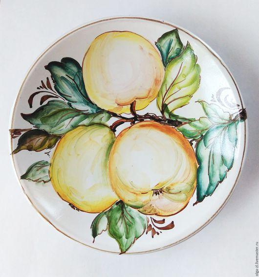 Декоративная посуда ручной работы. Ярмарка Мастеров - ручная работа. Купить Тарелка керамическая настенная росписная. Handmade. яблоки, натюрморт