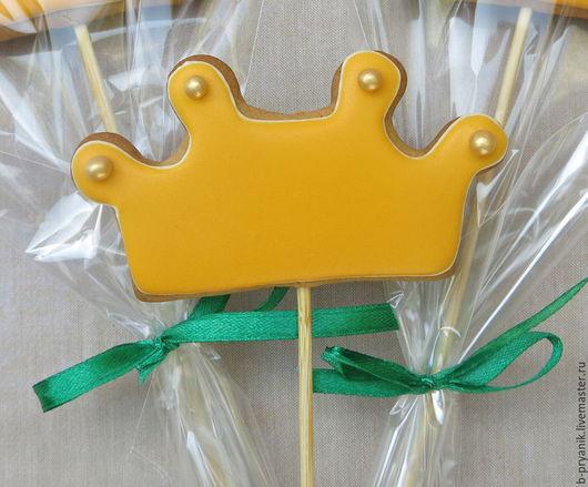 Имбирный пряник Корона для принцессы на палочке