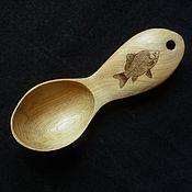 """Посуда ручной работы. Ярмарка Мастеров - ручная работа Походная ложка рыбака из можжевельника с рисунком """"Карась"""". Handmade."""