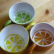 """Посуда ручной работы. Ярмарка Мастеров - ручная работа Кружка """"Вам чай с лаймом, лимоном или апельсином?. Handmade."""