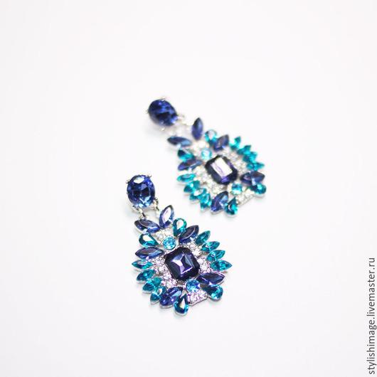 Серьги ручной работы. Ярмарка Мастеров - ручная работа. Купить Сине-бирюзовые серьги-гвоздики с кристаллами. Handmade. Бирюзовый, морской