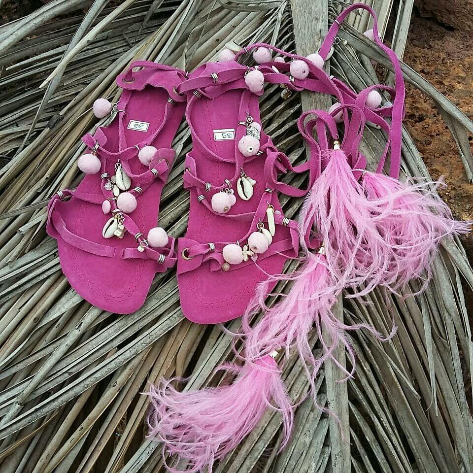 Обувь ручной работы. Ярмарка Мастеров - ручная работа. Купить Летняя женская обувь из натуральной замши с перьями и помпонами. Бохо. Handmade.