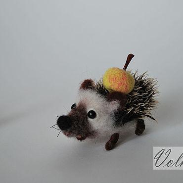 Валяная миниатюрная игрушка Ежик