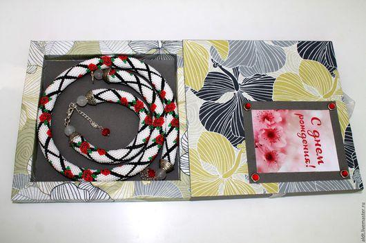 Колье, бусы ручной работы. Ярмарка Мастеров - ручная работа. Купить Комплект жгут с розами, браслет и подарочная упаковка. Handmade.
