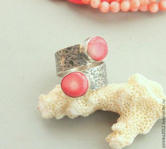 Кольца ручной работы. Ярмарка Мастеров - ручная работа. Купить Кольцо с  кораллом. Handmade. Кольцо с камнем, кольцо с камнями, коралловый