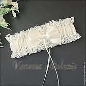 Свадебный салон ручной работы. Ярмарка Мастеров - ручная работа Подвязка в молочном цвете. Handmade.