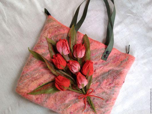"""Женские сумки ручной работы. Ярмарка Мастеров - ручная работа. Купить Сумка""""Букет тюльпанов"""". Handmade. Цветочный, валяная сумка"""