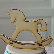 Материалы для творчества ручной работы. Ярмарка Мастеров - ручная работа Мини лошадка-качалка. Handmade.