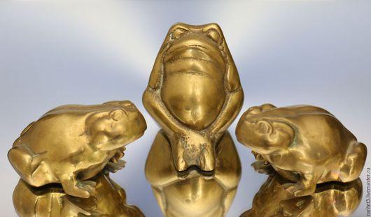 Винтажные предметы интерьера. Ярмарка Мастеров - ручная работа. Купить Лягушка 3шт бронза латунь Англия 17. Handmade. Золотой