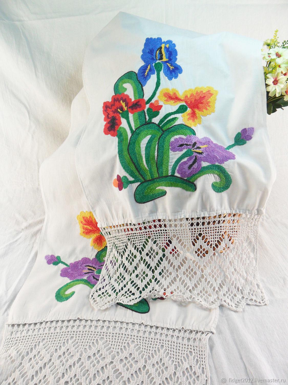 Towel with hand embroidery Vintage towel 50s Irises, Vintage interior, Bakhmut,  Фото №1