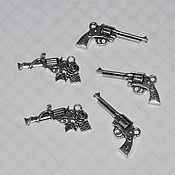 Материалы для творчества ручной работы. Ярмарка Мастеров - ручная работа Подвеска в виде пистолета. Handmade.