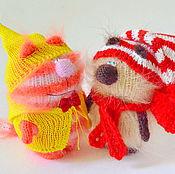 """Куклы и игрушки ручной работы. Ярмарка Мастеров - ручная работа Вязаные котики """"Лучшие друзья"""". (Мягкие игрушки. Купить подарок ). Handmade."""