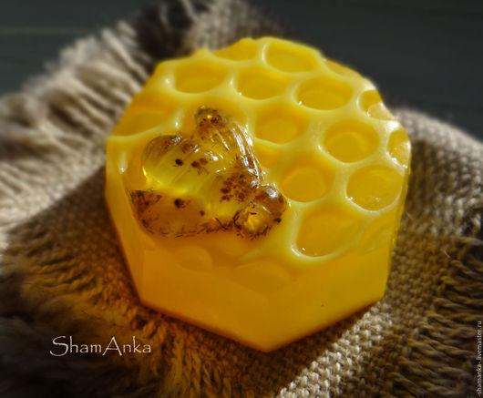 """Мыло ручной работы. Ярмарка Мастеров - ручная работа. Купить Мыло """"Пчелка"""". Handmade. Мыло ручной работы, желтый, шаманка"""