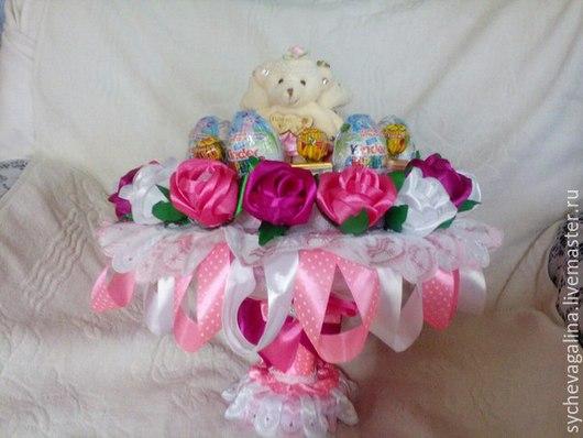 Букеты ручной работы. Ярмарка Мастеров - ручная работа. Купить букет из игрушек и киндер сюрпризов. Handmade. Розовый