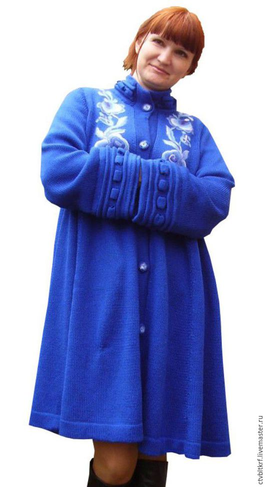 Верхняя одежда ручной работы. Ярмарка Мастеров - ручная работа. Купить Вязаное пальто «Васильковая синева гжели». Handmade.