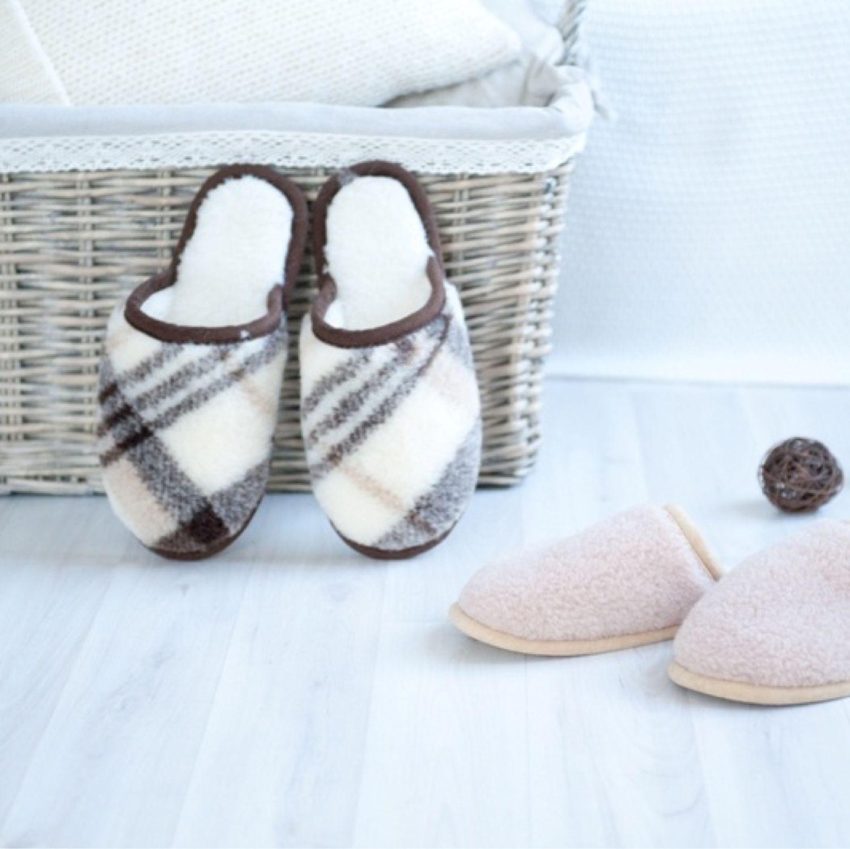 Обувь ручной работы. Ярмарка Мастеров - ручная работа. Купить Домашние тапочки из овчины. Handmade. Домашняя обувь, тапочки стильные