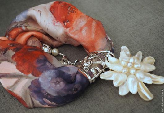 Колье, бусы ручной работы. Ярмарка Мастеров - ручная работа. Купить Колье из шелка с подвеской из перламутра Орхидея. Handmade. Розовый