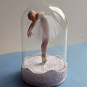 Подарки к праздникам ручной работы. Ярмарка Мастеров - ручная работа Балерина под стеклянным куполом. Handmade.