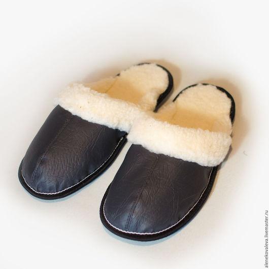 Обувь ручной работы. Ярмарка Мастеров - ручная работа. Купить Домашние тапочки меховые. Handmade. Мужские тапочки, замша