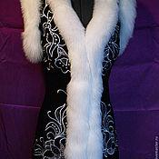 Одежда ручной работы. Ярмарка Мастеров - ручная работа Жилет с вышивкой и мехом. Handmade.