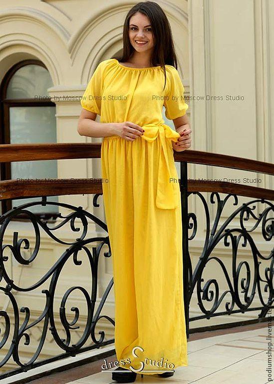 Желтое шифоновое платье