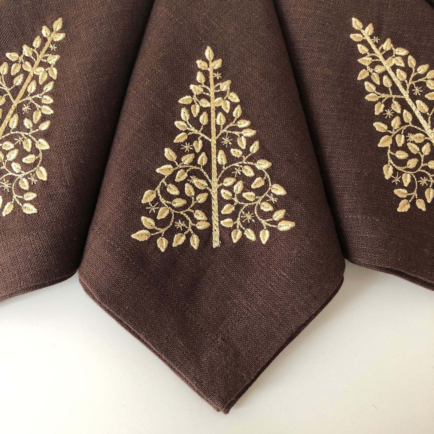 Christmas napkin with Christmas tree embroidery on chocolate, Culinary souvenirs, Moscow,  Фото №1
