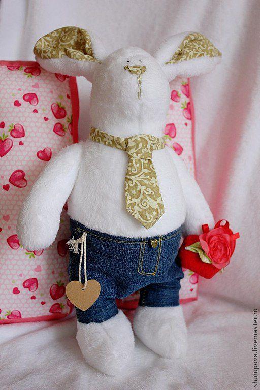 Куклы Тильды ручной работы. Ярмарка Мастеров - ручная работа. Купить Зайчик в джинсах, пушистый зай с серцем в руках.. Handmade.