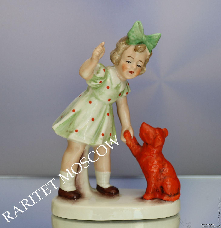 Винтаж: Девочка собака статуэтка Графенталь Германия 19, Предметы интерьера винтажные, Москва,  Фото №1