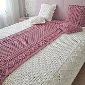 Для дома и интерьера handmade. Livemaster - original item Set of knitted blankets and pillows for the bedroom. Handmade.