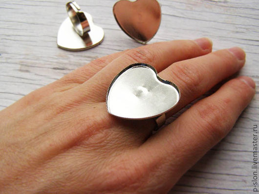 Для украшений ручной работы. Ярмарка Мастеров - ручная работа. Купить Основа для кольца серебристая в виде сердца О14. Handmade.