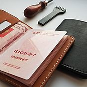 Обложки ручной работы. Ярмарка Мастеров - ручная работа Обложки: Обложка для паспорта из натуральной кожи ручной работы. Handmade.