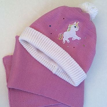Одежда ручной работы. Ярмарка Мастеров - ручная работа Комплект розовый Шапка и шарф Единорог со стразами для девочки. Handmade.