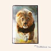"""Канцелярские товары ручной работы. Ярмарка Мастеров - ручная работа Обложка на паспорт """"Lion"""". Handmade."""