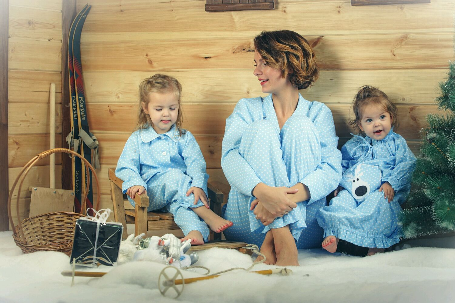Pajama party for the whole family 'Blue polka dot' with a blanket, Suits, Moscow,  Фото №1