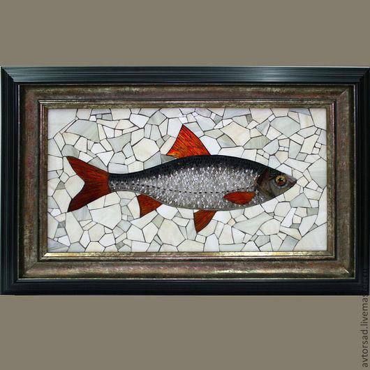 """Животные ручной работы. Ярмарка Мастеров - ручная работа. Купить Картина-панно """"Плотва"""". Handmade. Мозаика из стекла, картина для интерьера"""