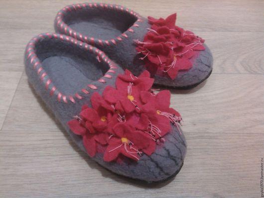 """Обувь ручной работы. Ярмарка Мастеров - ручная работа. Купить Тапочки валяные """"Багульник"""". Handmade. Фуксия, багульник, весна"""