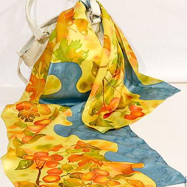 Аксессуары ручной работы. Ярмарка Мастеров - ручная работа Шелковый шарф батик Подарок осеннего сада. Handmade.