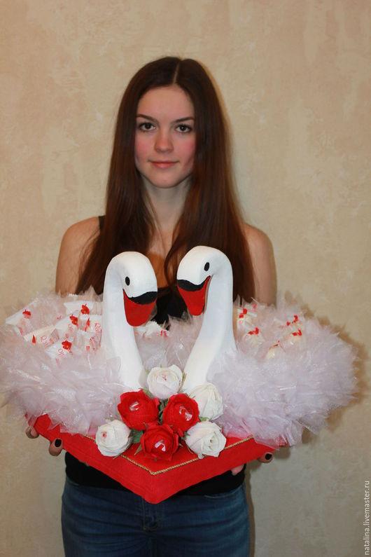 Подарочные наборы ручной работы. Ярмарка Мастеров - ручная работа. Купить Лебеди на свадьбу. Handmade. Свадебный подарок, подарок на свадьбу