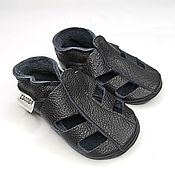 Работы для детей, handmade. Livemaster - original item Black baby sandals soft soled / Genuine leather baby booties. Handmade.