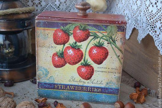 """Корзины, коробы ручной работы. Ярмарка Мастеров - ручная работа. Купить """"Strawberries"""" короб. Handmade. Короб, клубнички"""