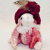 Куклы и игрушки ручной работы. Ярмарка Мастеров - ручная работа Зайка-паж. Handmade.