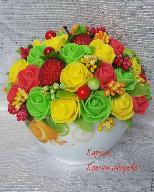 Персональные подарки ручной работы. Ярмарка Мастеров - ручная работа. Купить Композиция с розами из фоамирана. Handmade. Ярко-красный