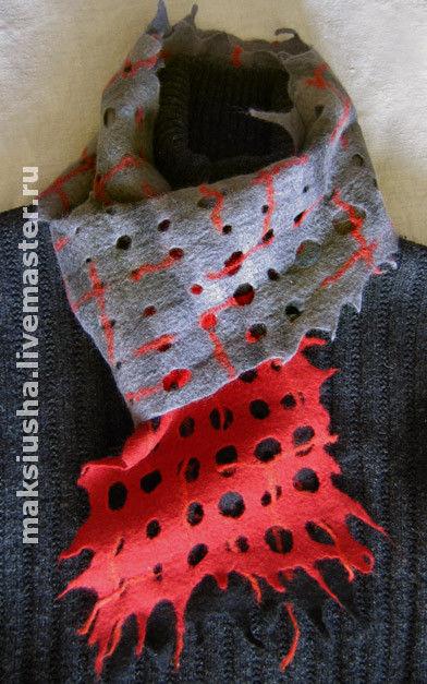 """Шарфы и шарфики ручной работы. Ярмарка Мастеров - ручная работа. Купить шарф валяный """"Красное и черное"""". Handmade. Шарф женский"""
