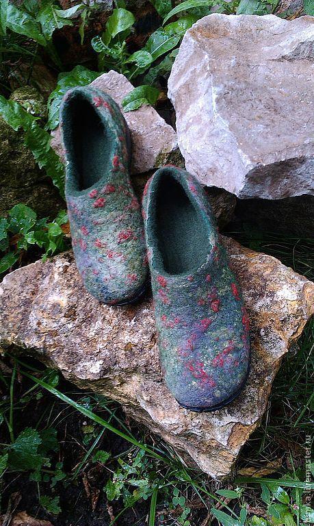 Обувь ручной работы. Ярмарка Мастеров - ручная работа. Купить Валяные тапки для улицы. Handmade. Тапочки домашние, теплые вещи