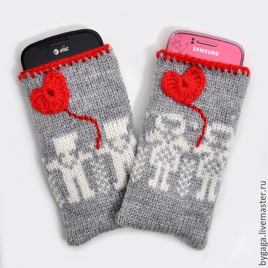 """Для телефонов ручной работы. Ярмарка Мастеров - ручная работа. Купить Вязанные чехлы для смартфона """"Мальчик и девочка"""". Handmade. Разноцветный"""