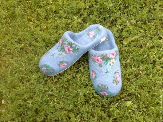 """Обувь ручной работы. Ярмарка Мастеров - ручная работа. Купить Тапочки валяные """"Небесная лазурь"""". Handmade. Синий, подарок для свекрови"""