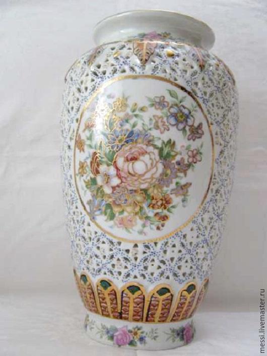 Винтажные предметы интерьера. Ярмарка Мастеров - ручная работа. Купить Китайская прорезная фарфровая ваза, розы. Handmade. Разноцветный, винтаж